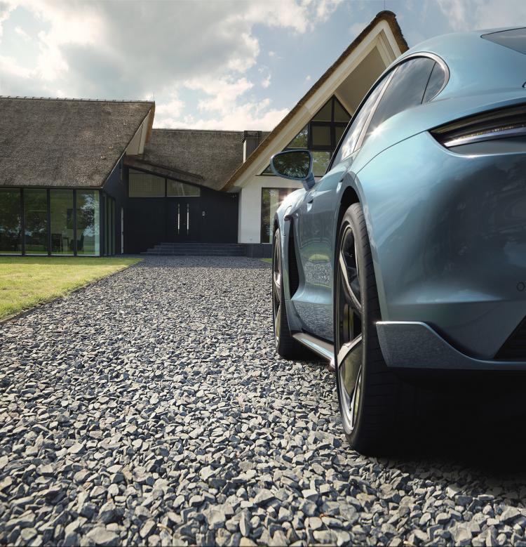 Porsche_Taycan_by_Stephan_Romer_03.jpg