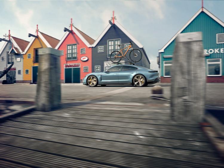 Porsche_Taycan_by_Stephan_Romer_05.jpg
